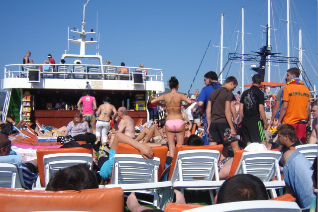Take a mini Cruise on your vacation or staycation! Is worth it!