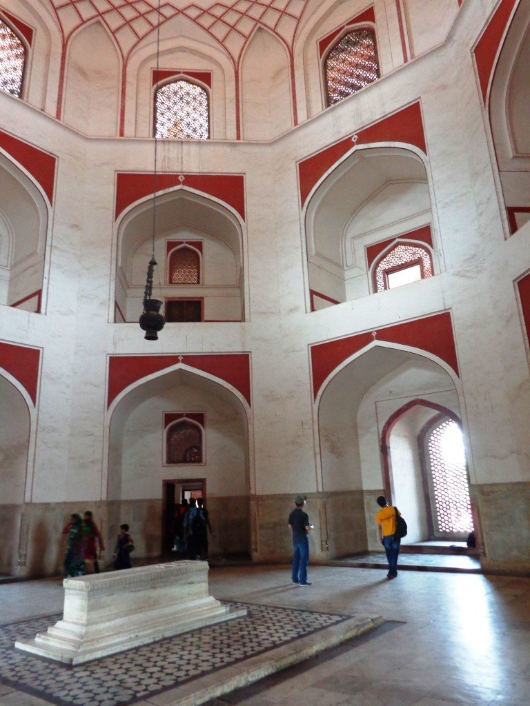 The Cenotaph a must in places to Visit in New Delhi India! #hamayun'scenotaph